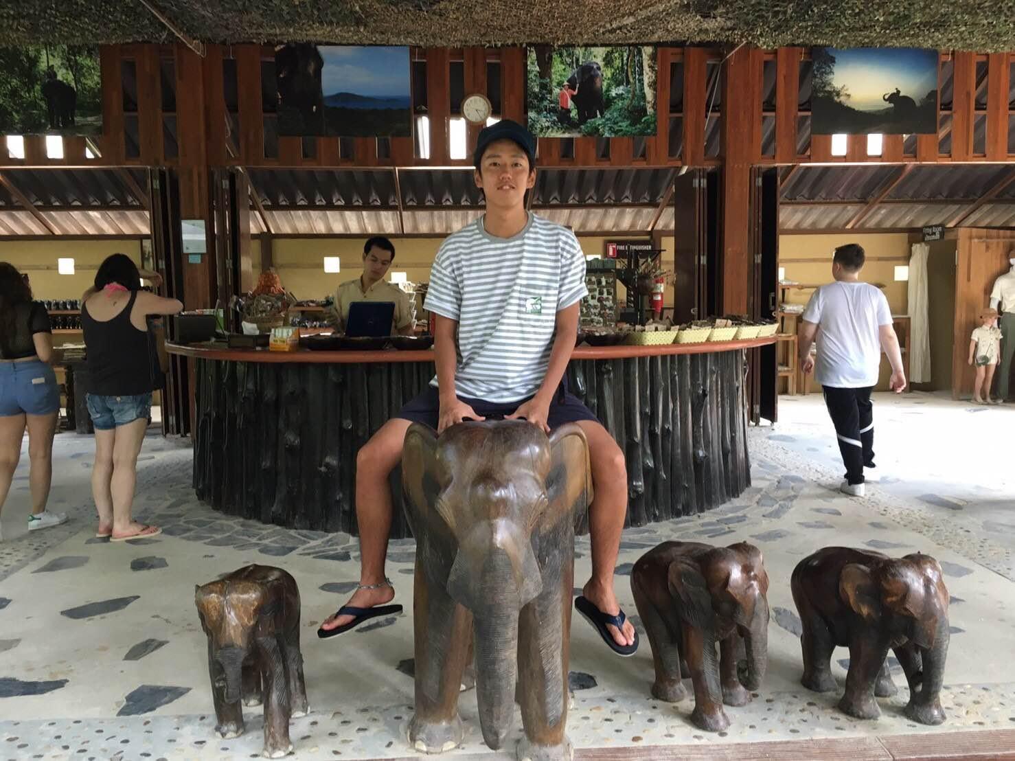 タイでの写真.jpg